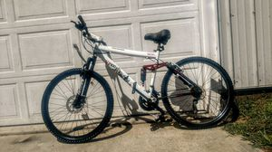 """Genesis V2100 21 speed mountain bike 26"""" tires, new seat for Sale in McConnelsville, OH"""
