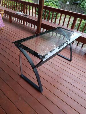 2Desks, 1wardrop and 1table for Sale in Tacoma, WA