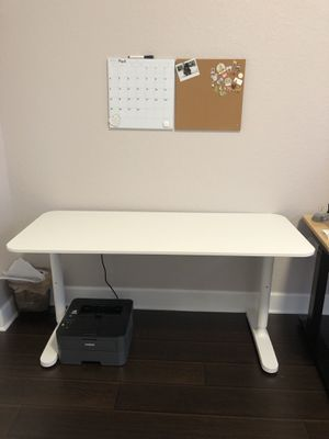 Desk for Sale in Pembroke Pines, FL