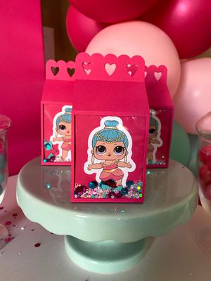 Lol dolls shaker favor boxes for Sale in Apple Valley, CA