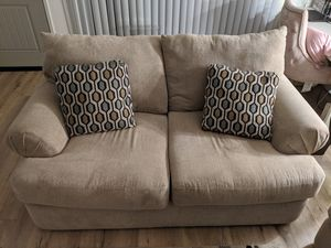 Loveseat Couch (EXCELLENT CONDITION) for Sale in Torrance, CA