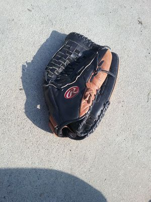 Rawlings softball glove for Sale in West Covina, CA