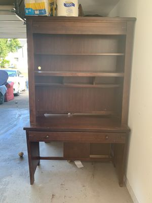 Stanley Furniture student desk with hutch for Sale in Herndon, VA