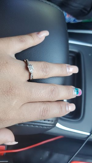 10k engament ring for Sale in FAIRMOUNT HGT, MD
