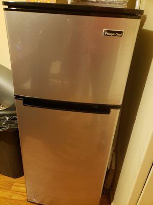 Magic chef mini refrigerator for Sale in Los Angeles, CA