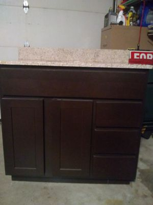 Vanity bathroom and top for Sale in Glendale Heights, IL