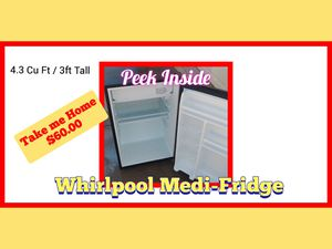 Whirlpool 4.3 Cu. Ft. Medium Fridge for Sale in Gilbert, AZ
