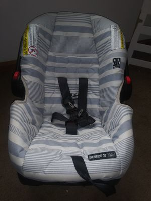 Baby car seat for Sale in Detroit, MI
