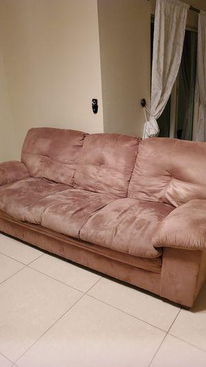 Sofa FREE for Sale in Miami, FL