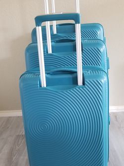 American Tourister Curio Set for Sale in Garland,  TX
