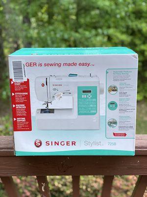 Singer 7258 Stylist Computerized 100-stitch Sewing Machine for Sale in Alexandria, VA