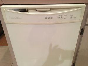 Frigidaire dishwasher for Sale in Davenport, FL