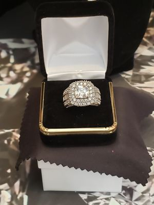 Solid silver vintage simulated diamond and sapphire sz 7 for Sale in Meriden, CT