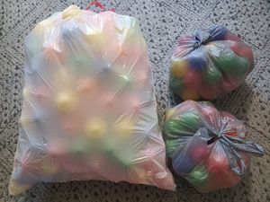 200+ Plastic balls for ball pit for Sale in SUNNY ISL BCH, FL
