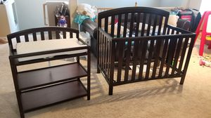 Baby crib and changing table set for Sale in North Las Vegas, NV