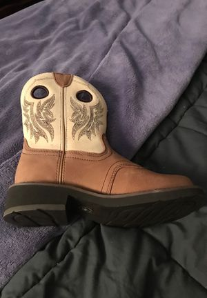 Ariat Baby fat women's 6 1/2 for Sale in Nashville, TN