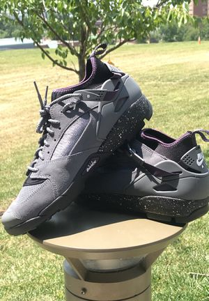 Nike Air Revaderchi Huarache Mid size 10.5 for Sale in Washington, DC