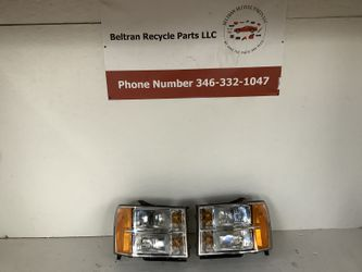 2007 2013 GMC Sierra left and right headlight for Sale in Houston,  TX