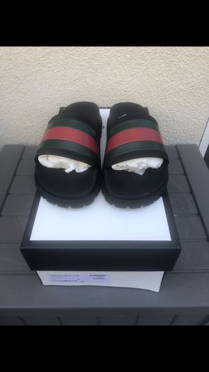 Gucci Slides Size 6y for Sale in Brentwood, CA