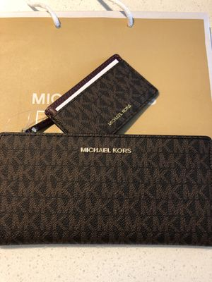 Michael Kors wallet for Sale in Arcadia, CA