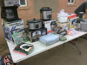 Crock pots, rice cooker and coffee pot for Sale in Fresno, CA
