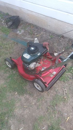 Old Craftsman lawn mower it still runs gas leaked out the carburetor for Sale in Fort Worth, TX