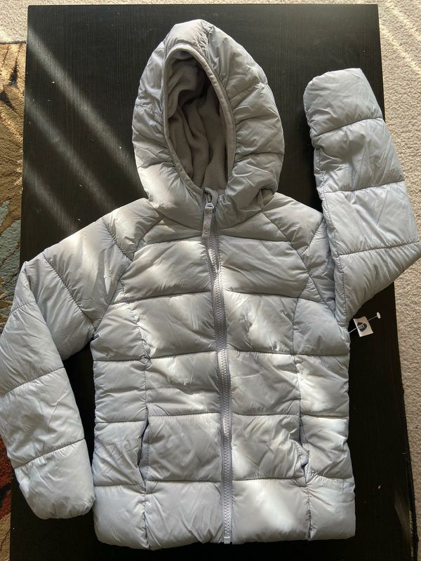 Old Navy Girls Winter Gray color Fleece Jacket size 6 to 7