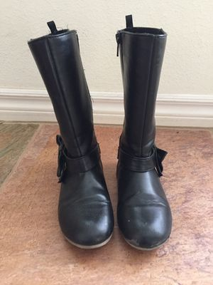 Girl's boots for Sale in Ventura, CA