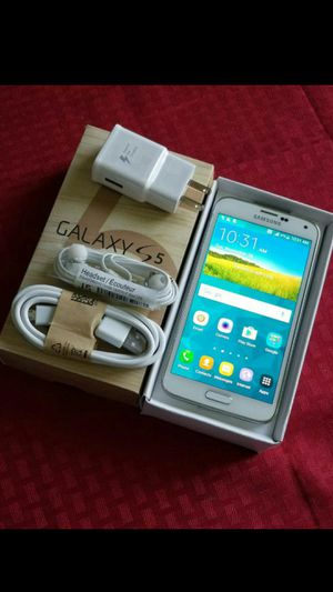 SAMSUNG Galaxy S5, Factory UNLOCKED//Excellent Condition// As like New.. for Sale in Springfield, VA