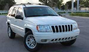 Low Price 2004 Jeep Grand Cherokee AWDWheels for Sale in Jacksonville, FL