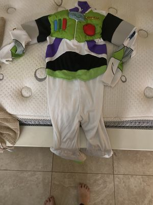 Buzz lightyear costume size 8 for Sale in Huntington Park, CA