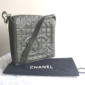 Authentic CHANEL Lambskin Green Shoulder Bag for Sale in Arlington, VA