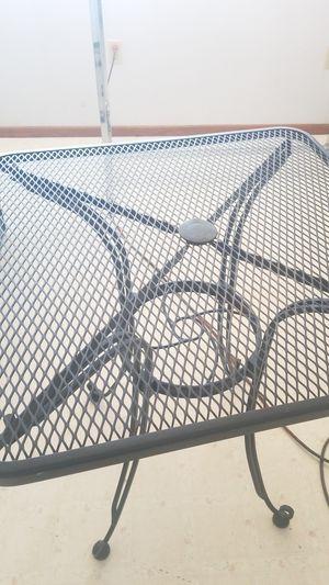 Small metal picnic table, great shape ! for Sale in Spokane, WA