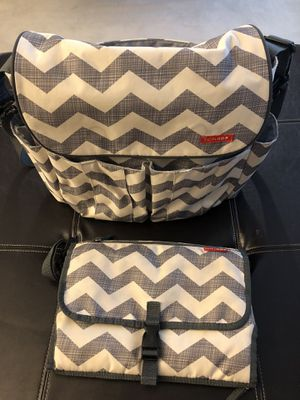 Skip Hop Diaper bag + portable changing mat for Sale in Concord, CA