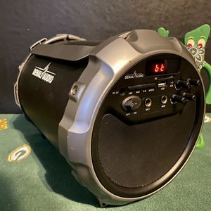 Sound Cannon Portable Bluetooth Stereo Speaker w/Subwoofer. for Sale in Milwaukee, WI