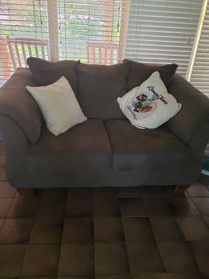 Love Seat Couch - Fabrique Par- Excellent Condition for Sale in Baton Rouge, LA