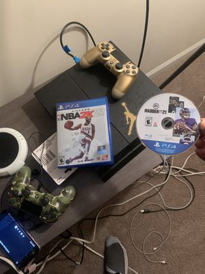 PS4 2 controllers with 2k and madden 21 for Sale in Hampton, VA