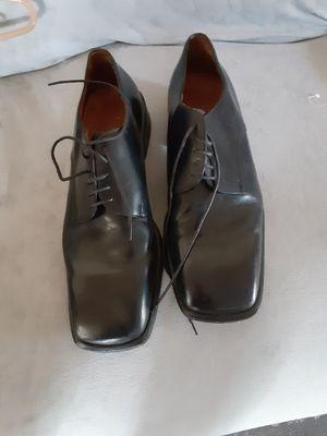 Sapato de hombre Gucci número 11 for Sale in Bloomington, CA