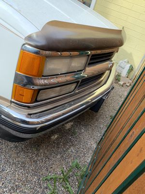 1995 suburban ride and drives great or trade for Sale in Phoenix, AZ