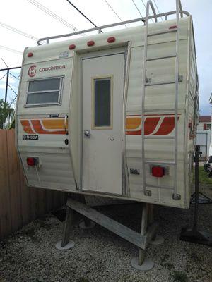 Camper truck de 8' en muy buenas condiciones . Para más información al respecto déjeme un mensaje ( para truck de 8 pies ( 8') for Sale in Miramar, FL