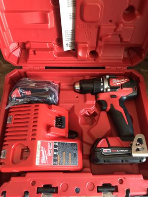 Milwaukee drill brushless 2.0 battery s and charger for Sale in Hemet, CA