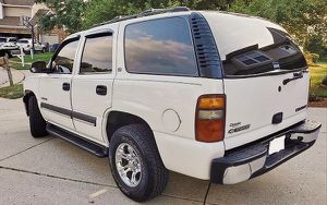 5.3L GAS SUV CHEVY TAHOE 03 for Sale in Salt Lake City, UT
