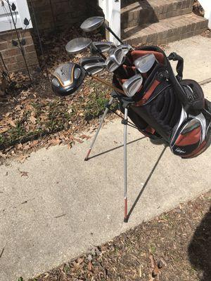 Walter Hagen Golf Club & Golf Bag Set for Sale in Ashburn, VA