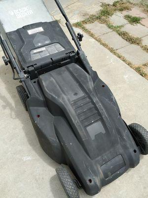 "Black & Decker (20"") Electric Lawn Mower for Sale in Anaheim, CA"
