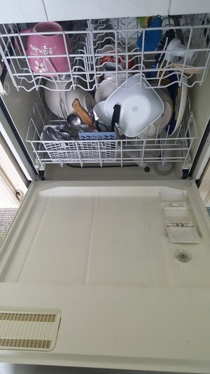 Whirlpool dishwasher for Sale in Missouri City, TX