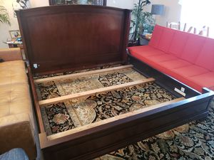 King size Bed Frame Solid Wood for Sale in Lynnwood, WA