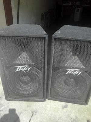 2 PEAVY SPEAKER 15 INCHES for Sale in Long Beach, CA