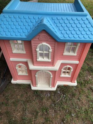 Kids doll house, book shelf, and toy box. 3 piece set for Sale in Cedar Hill, TX