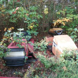 2 free riding lawn mowers for parts for Sale in Newport, NJ
