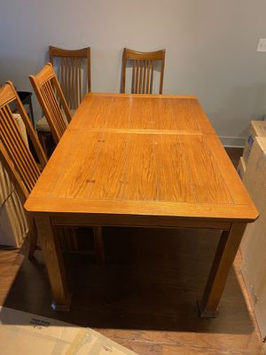 Nice kitchen table with 4 chairs for Sale in Houston, TX